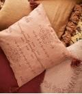 Coussin Corail & Brique brodé à pompons - Coton & Lin -- 50x50 - Madam Stoltz