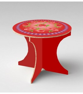 Table bohème rouge en carton alvéolaire – Christelle Gossart